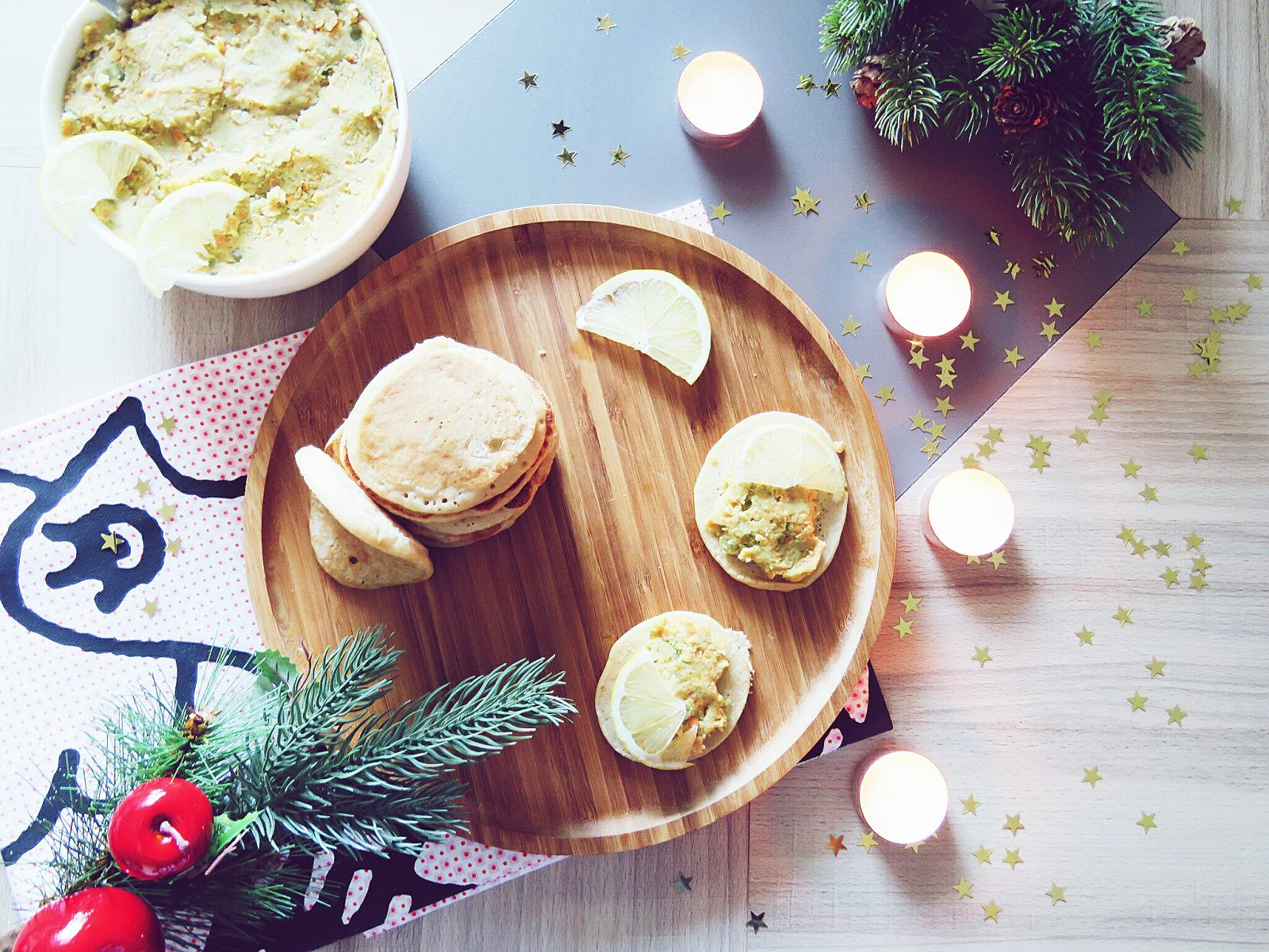 Repas de fêtes : blinis à l'épeautre et tartinade de pois cassés (VEGAN)