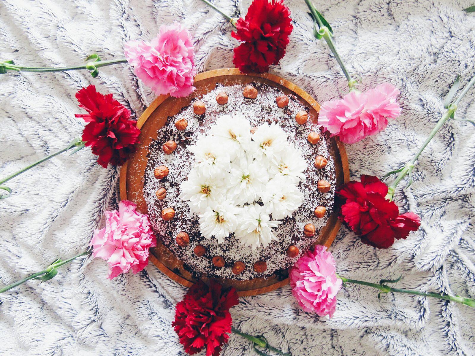 Layer Cake végétalien au chocolat & avocat